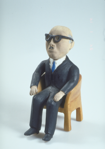 Le maire de Montréal, JeanDrapeau. Sculpture d'art populaire