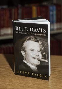 BillDavis: Nation Builder, and Not So Bland After All (BillDavis: un bâtisseur de nation pas si fade, après tout), une biographie réalisée par StevePaikin