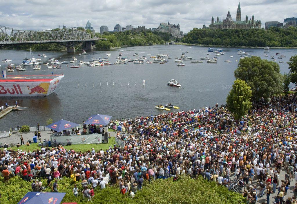 Compétition Red Bull Flugtag, en 2008. Musée canadien de l'histoire, IMG2009-0044-0003-Dm