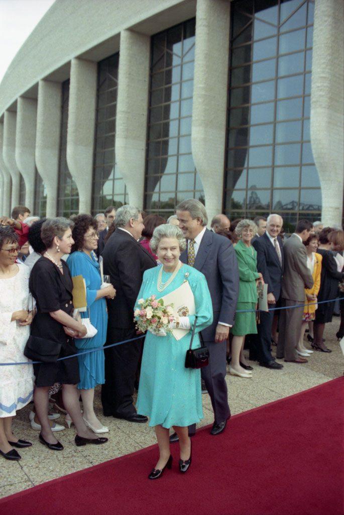 Visite de Sa Majesté la reine Elizabeth II, en 1992. Musée canadien de l'histoire, IMG2011-0055-0235-Dm
