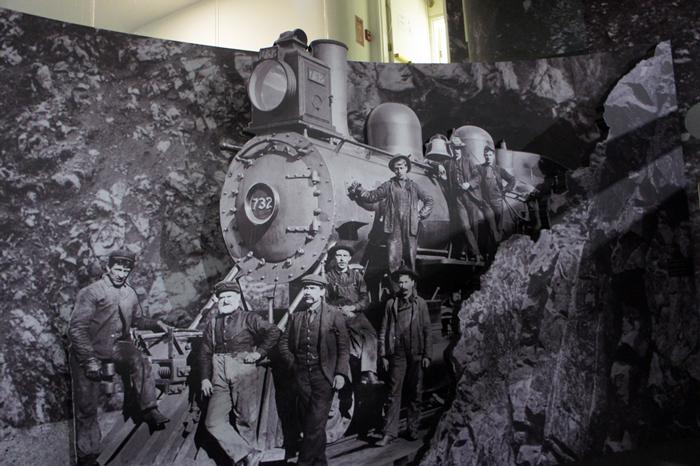locomotive 732 de la Canadian Pacific Railway et cheminots