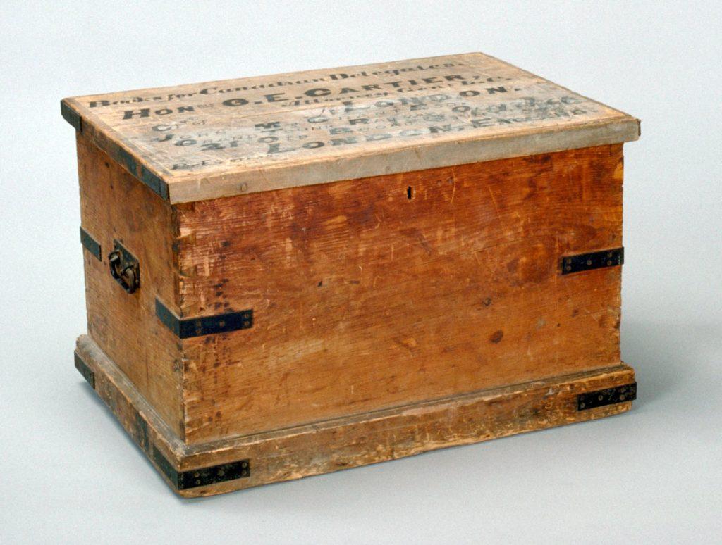 Coffre ayant appartenu à George-Étienne Cartier