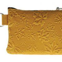 Coin Purse Maple Leaves Tan:: Bourse feuille d'