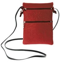 Passport Pouch Bear Box Red:: Pochette de passeport bo