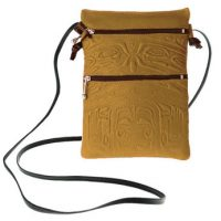 Passport Pouch Bear Box Tan:: Pochette de passeport bo