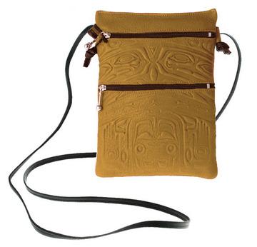 Passport Pouch Bear Box Tan:: Pochette de passeport bo