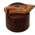 Eagle Box by Artie George:: L'aigle sur une bo