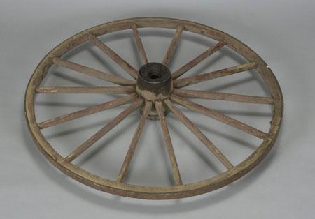Marius barbeau roue de charette - Roue de charette decoration ...