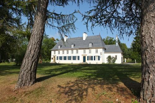 Manoir seigneurial Mauvide-Genest à Saint-Jean, Île d'Orléans.