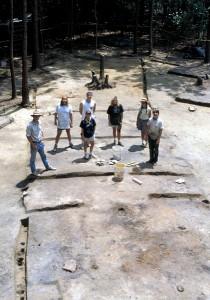 Vestiges archéologiques d'une habitation en poteaux-sur-sole, Vieux-Mobile (Alabama)