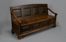 Banc lit datant de la seconde moitié du 18e siècle.