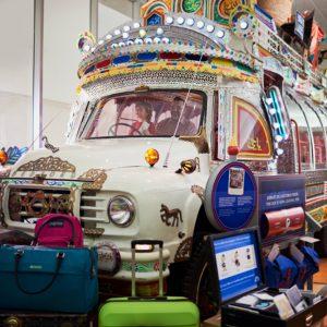 Conduisant un autobus du Pakistan