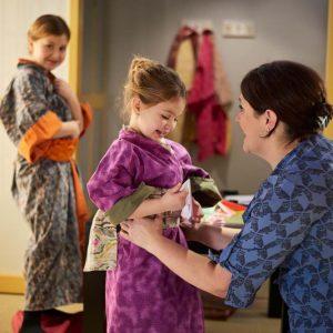 Revêtir un kimono