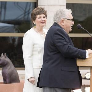 John et Bonnie Buhler au dévoilement